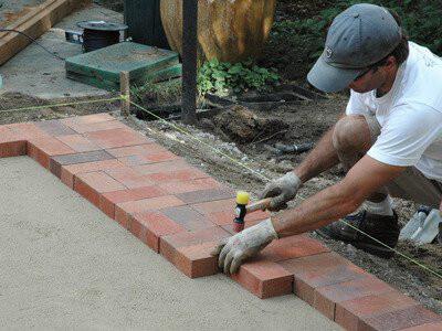 Укладчик брусчатки (тротуарной плитки), работа в Польше